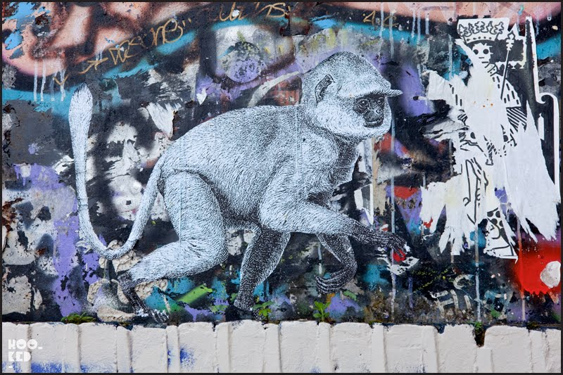 London street art monkey