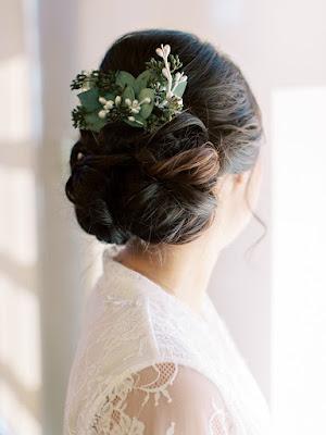 brides wedding hair with flowers