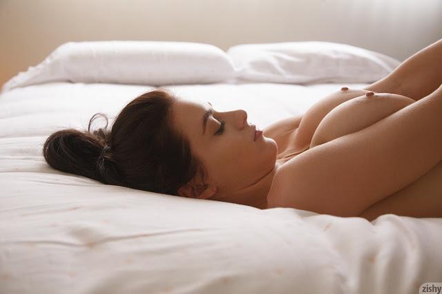 Lana Rhoades boobs between arms