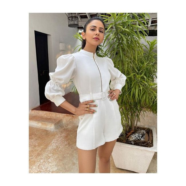 Actress Gallery: Rakul Preet Singh Beauty Pictures
