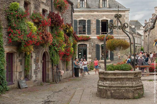 Rochefort-en-Terre pueblos bonitos Francia Bretaña diario viaje