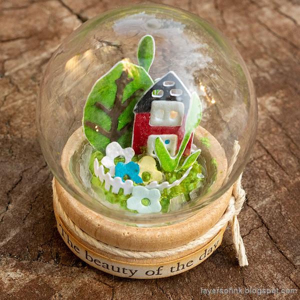 Layers of ink - Summer Garden Miniature Globe Tutorial by Anna-Karin Evaldsson.