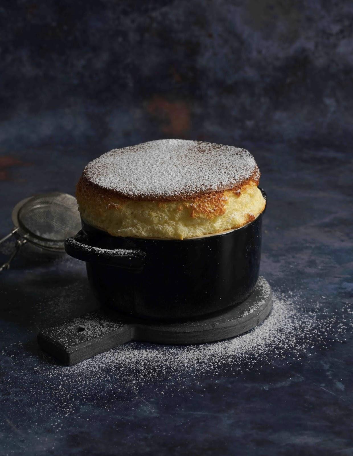 soufflé , dessert français , dessert de fete