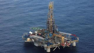 أسعار النفط تهوى بأكثر من 20 في المئة في أسواق آسيا