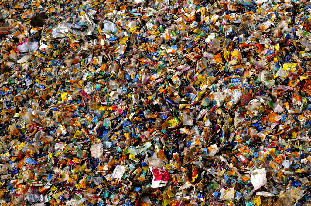 A pile of garbage is photographed near the Navrang Compound in Mumbai, India Mumbai alone generates almost 7,025 tons of waste on a daily basis and for this reason Dharavi remains and for this reason Dharavi remains a land of recycling opportunity for many rural Indians.