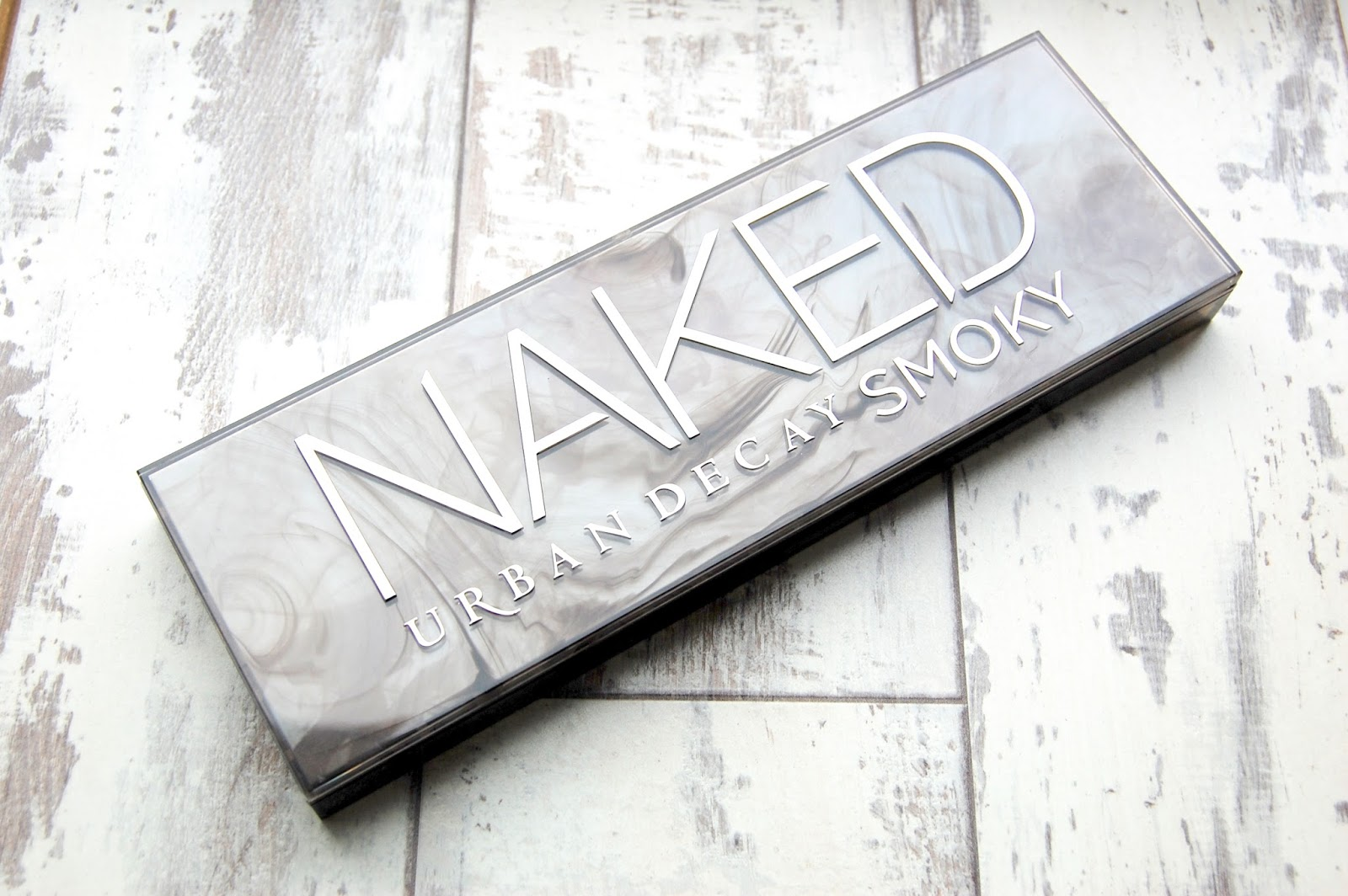 Through New Eyesx - Urban Decay Smokey Eye Palette Review and Swatches