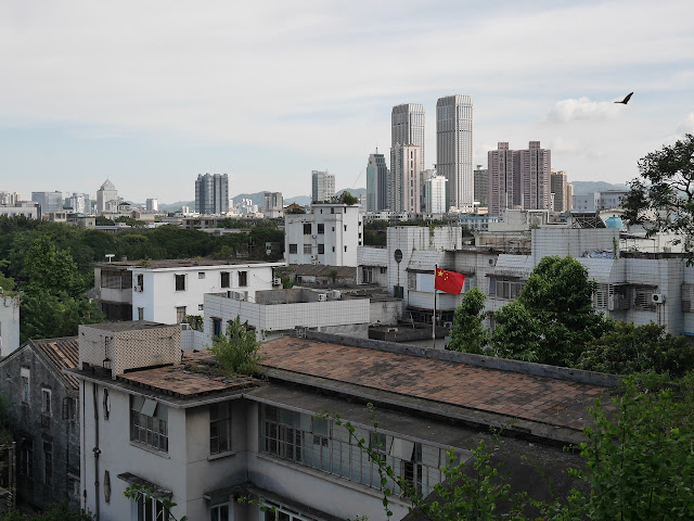 view of Zhongshan from behind Xishan Temple (西山寺) in Zhongshan, China