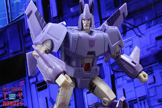 Transformers Kingdom Cyclonus 11