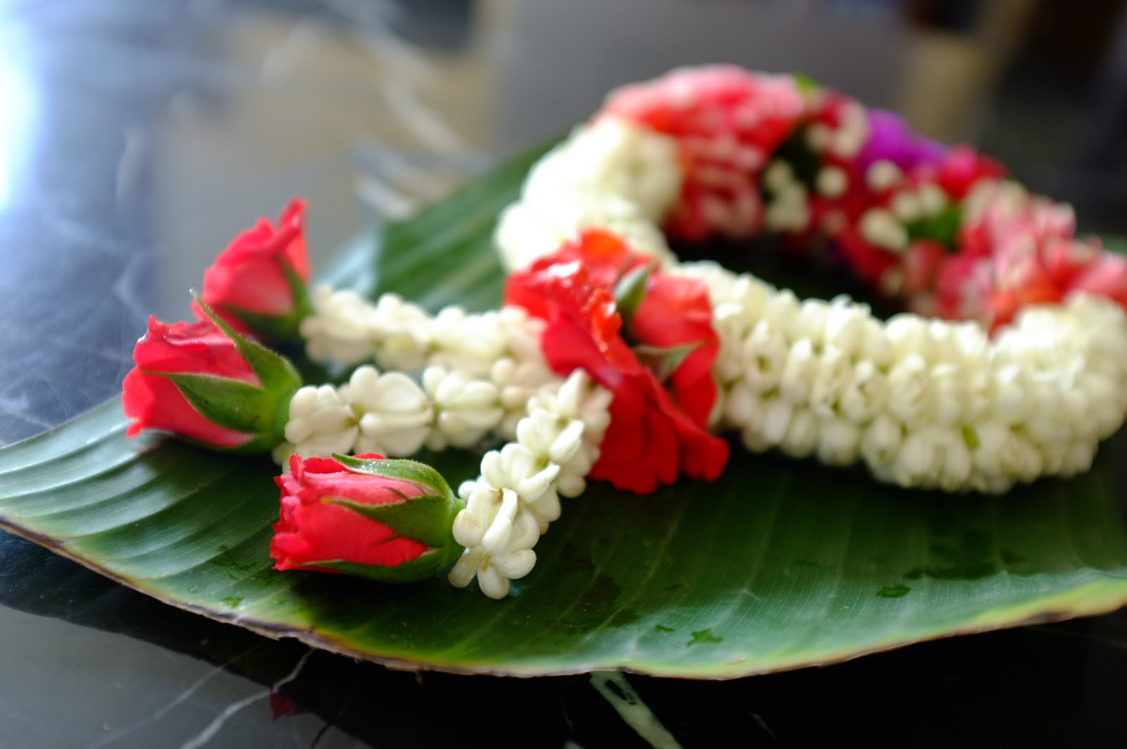 malai thai flower arrangements