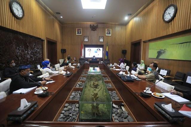 Tren Kasus Covid-19 di Kota Bandung Menurun, Tiga Akademisi UNPAD Berikan Rekomendasi