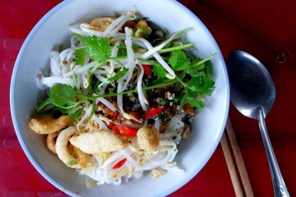 Món ngon từ con hến sông Hương