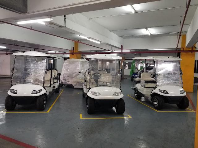 Showroom mobil golf listrik