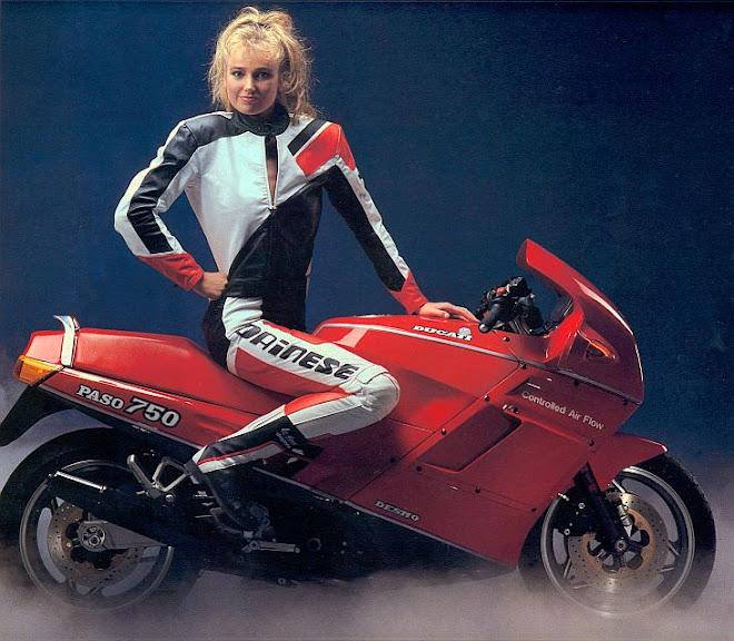 Ducati Paso 750 Girl