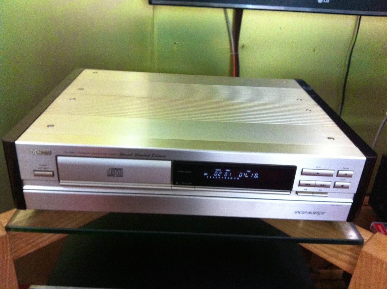 Mặt trước sản phẩm đầu CD Denon 1650GL
