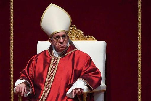 Papa Francisco implora paz en Siria y en todo el Oriente Medio