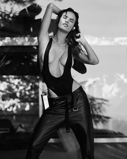 Alessandra Ambrosio sexy model photo shoot