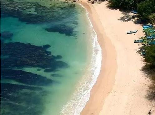 Pantai di Blitar yang Mudah Diakses
