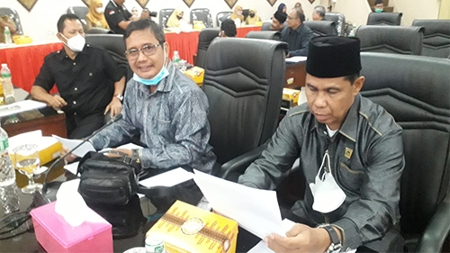 Rapat Paripurna DPRD Kota Padang, Wako Hendri Septa Sampaikan RAPBDP Tahun 2021