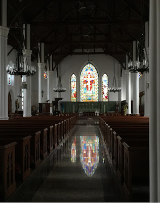 Christ Church Cathedral in Nassau, Bahamas - curiousadventurer.blogspot.com