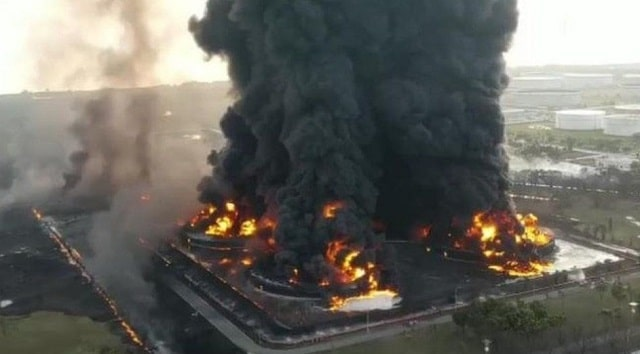 causes oil refinery explosions