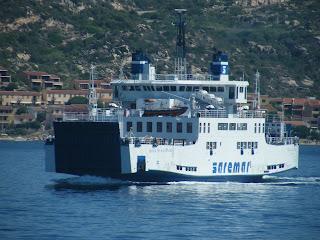 il traghetto per la Maddalena