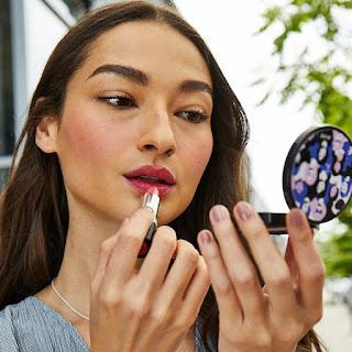 avon catalog kiss of hope lipstick