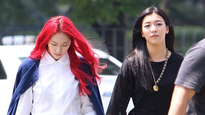 Luna Congratulates Krystal After Officially Leaving SM Entertainment