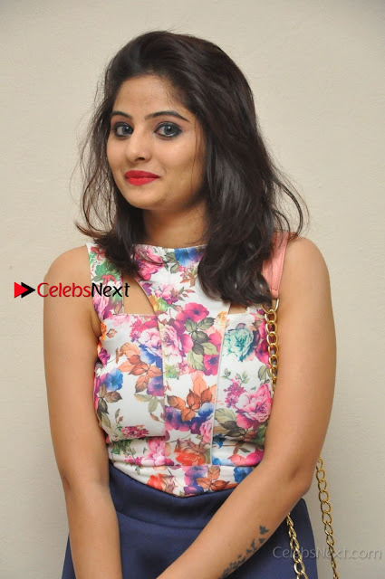Kannada Actress Mahi Rajput Pos in Floral Printed Blouse at Premam Short Film Preview Press Meet  0004.jpg