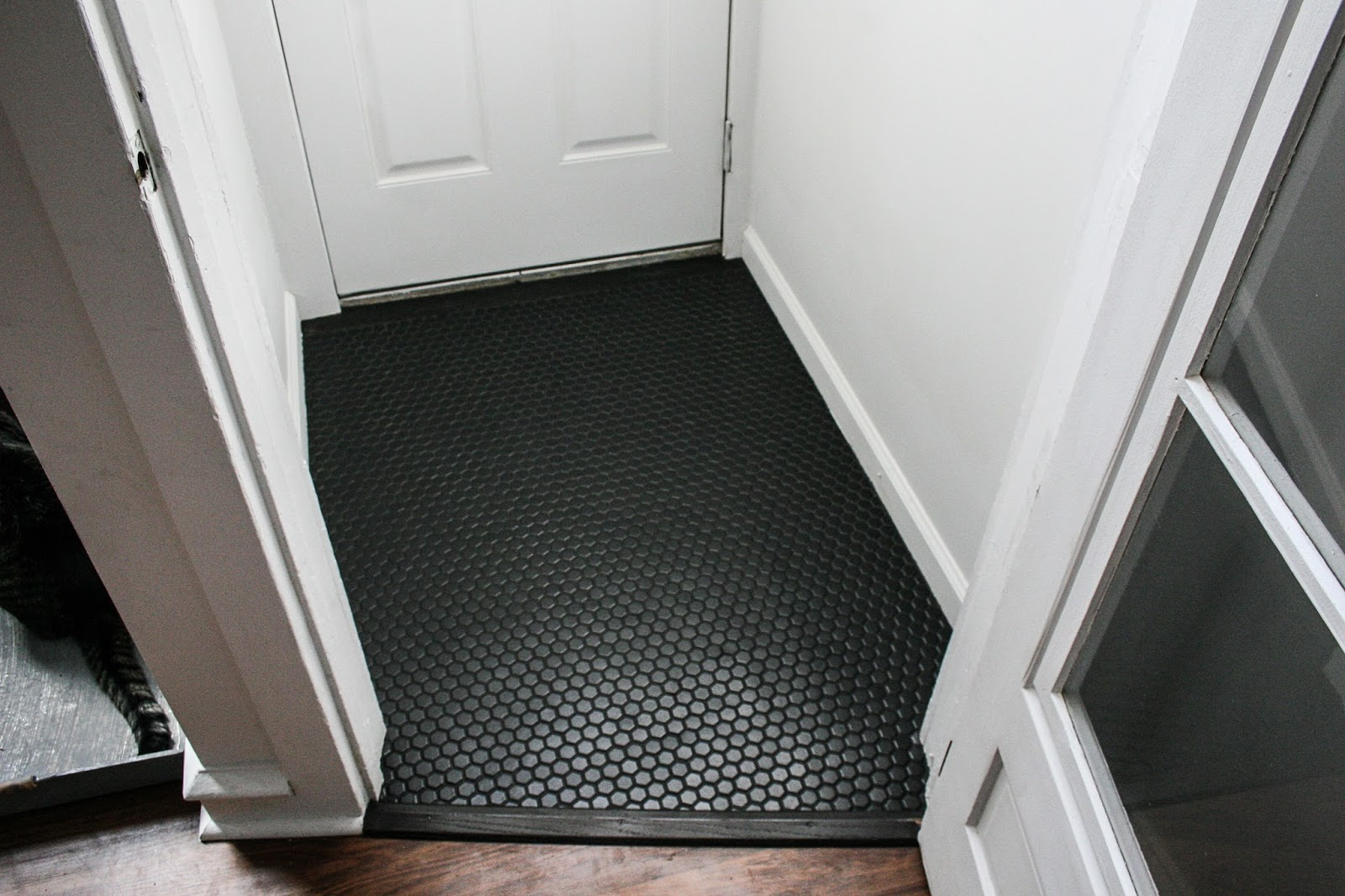 Black Hexagon Tile Vestibule Floor