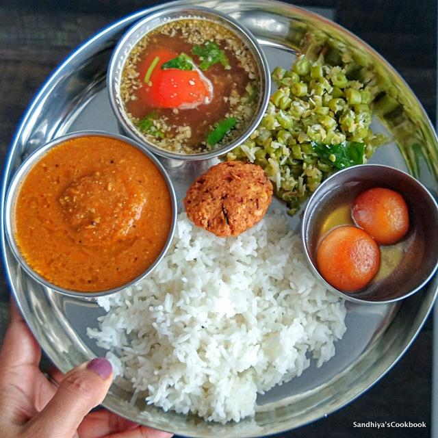 Vadai Kulambu Lunch Platter