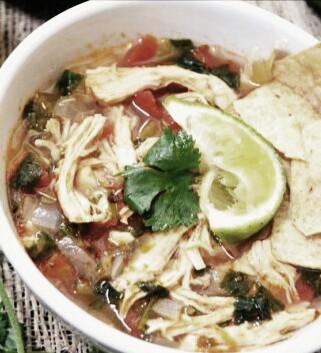 receta-mexicana-caldo-de-pollo