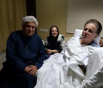 javed-akhtar-meets-dilip-kumar-in-hospital