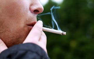 Ποιες τροφές βοηθούν στην αποκατάσταση της «ζημιάς» του καπνίσματος