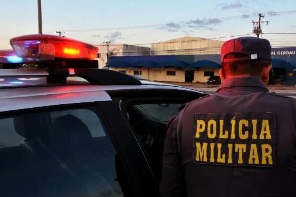 Homem é preso em teto de motel após ser flagrado com jovem de 15 anos