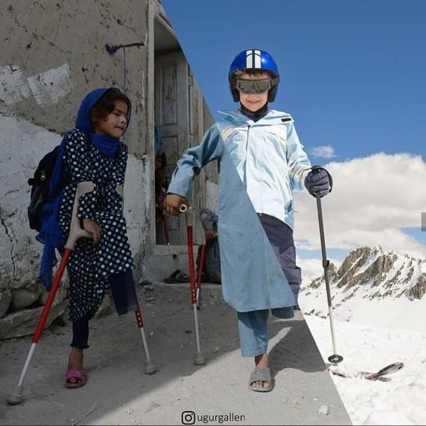 Koltuk değnekleri vs kayak takımı