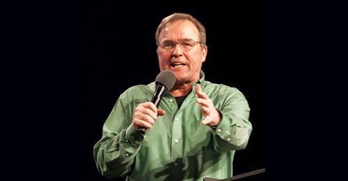 A perseguição religiosa já está começando de uma forma moderada, diz Mike Bickle