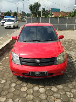 Dijual Toyota IST Build Up 1,3 Matic 2005 Warna Merah