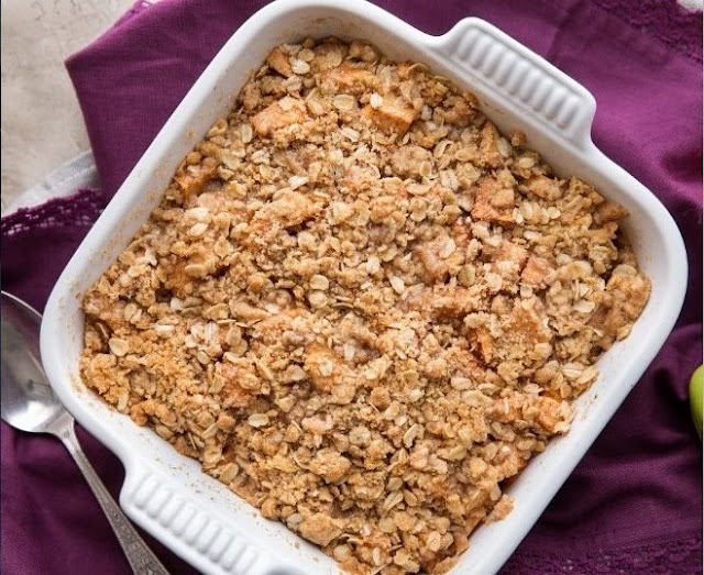 Perfectly Crumbly Apple Crisp #desserts #apple