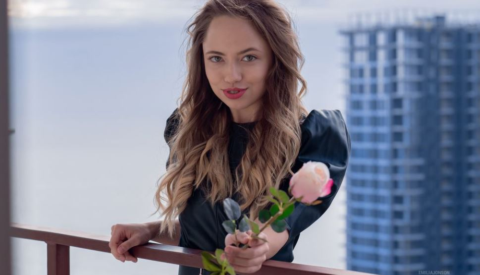 EmiliaJonson Model GlamourCams