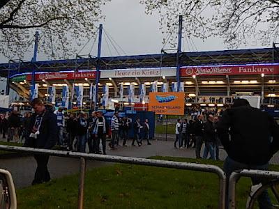 http://www.rp-online.de/sport/fussball/fortuna/fortuna-duesseldorf-dieter-nuhr-spricht-bei-markus-lanz-ueber-das-leiden-als-fan-aid-1.5946641