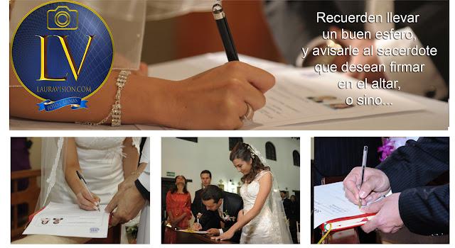 novia firma el acta con esfero barato y pluma costosa