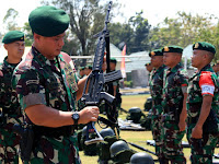 Pangdivif 2 Kostrad Melaksanakan Pengecekan Kesiapan Yonif Para Raider 501/Divif 2 Kostrad Dalam Melaksanakan Latgab TNI