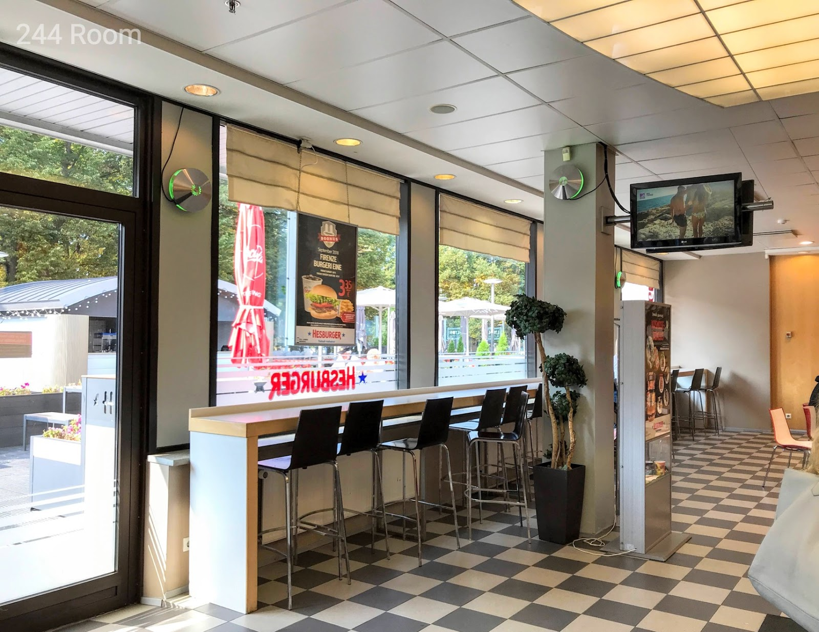 HESBURGER-Estonia-interior