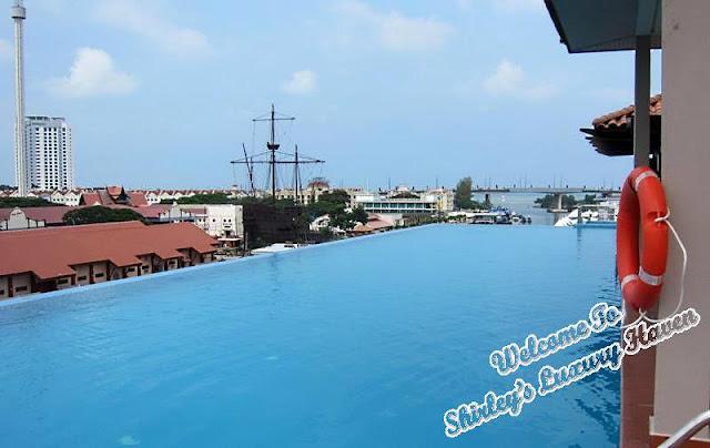 casa del rio rooftop infinity pool