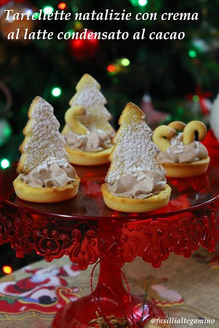 tartellette natalizie con crema al latte condensato al cacao