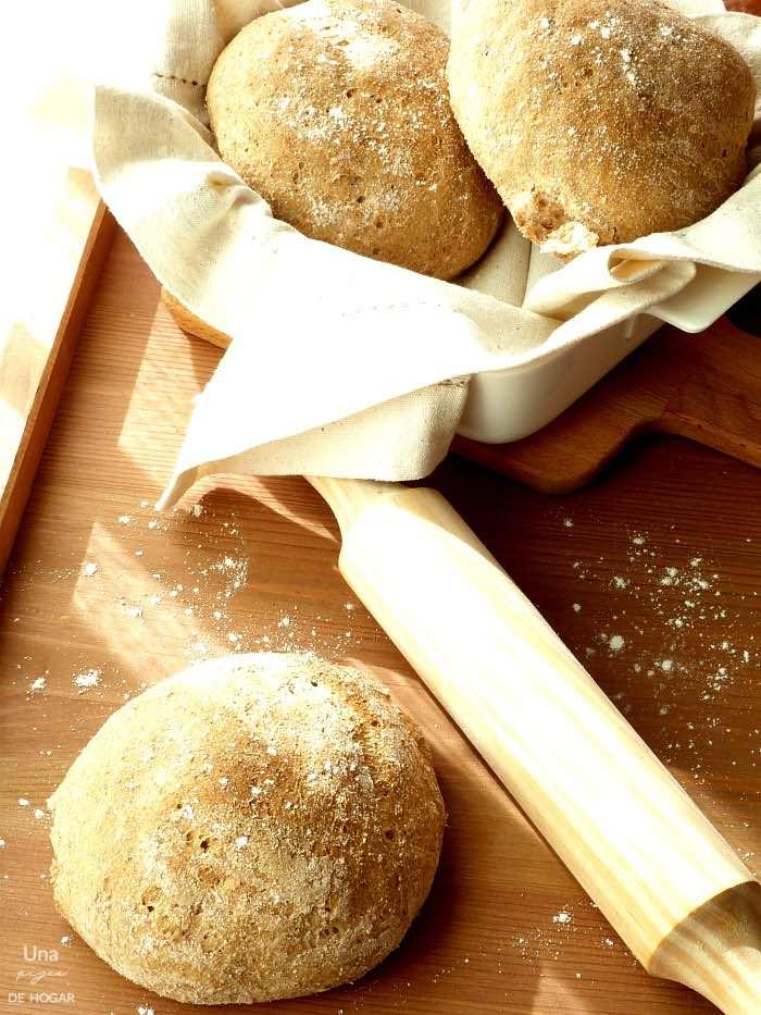 Pan integral casero en forma de bollitos