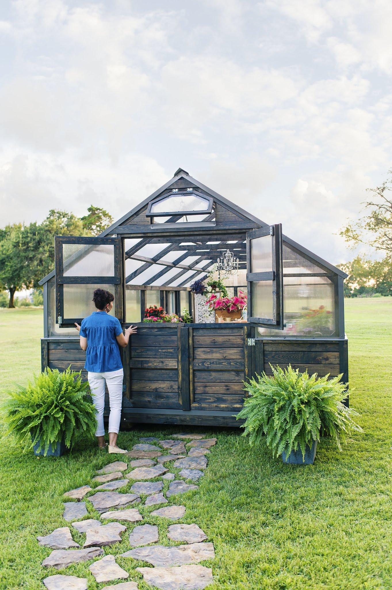 Yoderbilt Fully Assembled Greenhouse