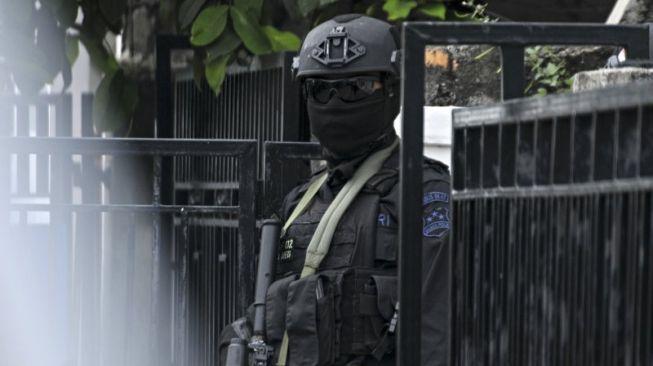 Densus 88 Tangkap Tersangka Teroris di Kalsel, Paling Muda Masih Pelajar