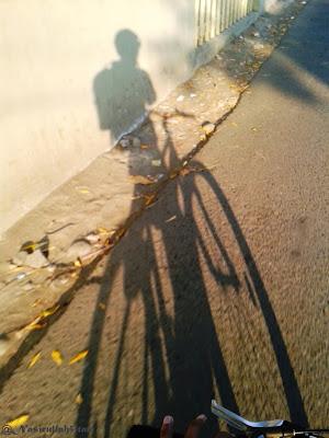 Bayangan bareng sepeda pertama