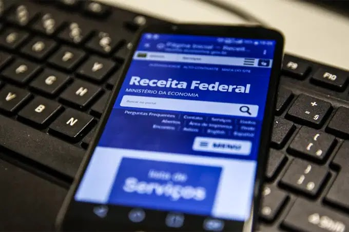Bolsonaro veta adiamento de prazo do Imposto de Renda para o mês de Julho
